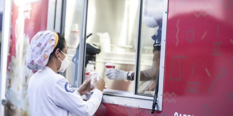 Café Santo Domingo lleva café a médicos y enfermeras que amanecen luchando contra el Covid 19