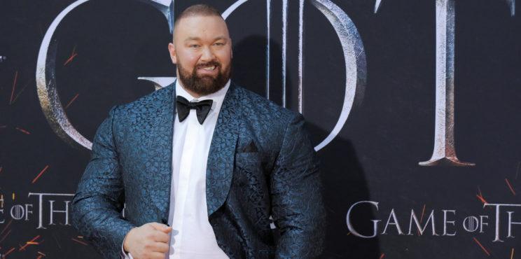 Video: El actor de 'Juego de tronos' rompe récord mundial al levantar más de 500 kilos/1.104 libras