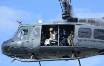 Arzobispo Sto.Dgo bendice al pueblo desde helicóptero FF.AA.