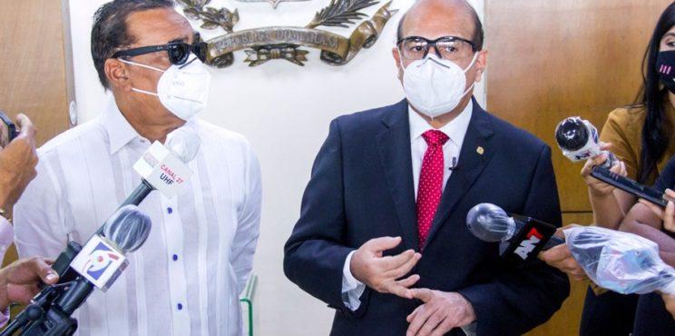 Luis Abinader 54.07 % y Gonzalo Castillo 36.03 % en primer boletín JCE