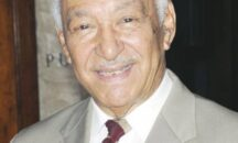 El ministro de Cultura expresa su pesar por la muerte del maestro Papa Molina