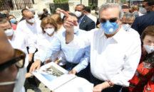 Presidente Abinader deplora estado del Gran Teatro Cibao
