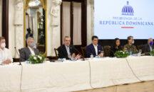 Presidente Luis Abinader sugiere a cadenas hoteleras reabrir primero de octubre