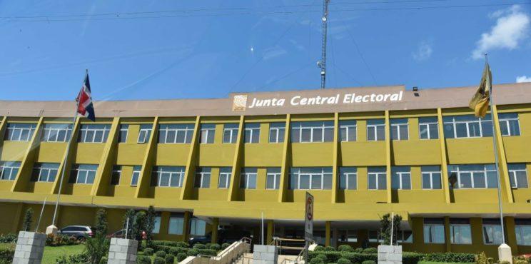 JCE ofrecerá servicios de duplicados de cédula a nivel nacional mediante sistema de citas; uso de mascarilla es obligatorio para ingresar a instalaciones