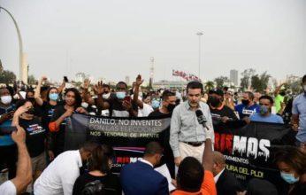 Manifestantes vuelven frente a la Junta Central Electoral