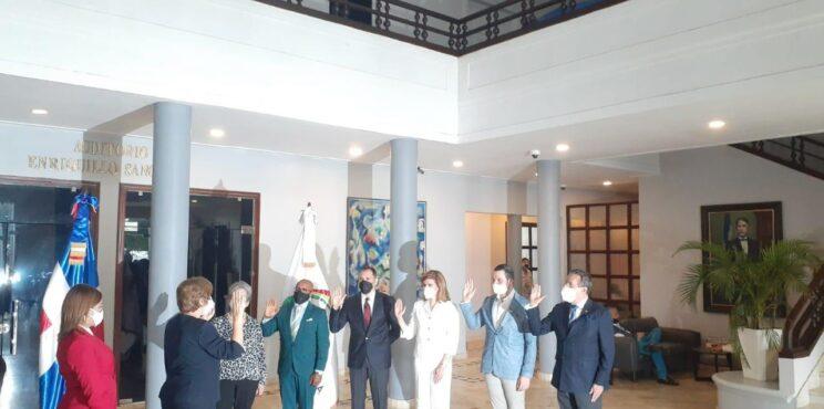 Luis Marcell Ricart  se juramenta como director del Gran Teatro del Cibao