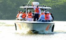El presidente Luis Abinader realizó este domingo un recorrido por los ríos Ozama e Isabela, donde pudo comprobar los niveles de contaminación que los afecta.