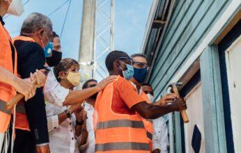 Invi continúa Plan Dominicana se Reconstruye en Playa Oeste, Puerto Plata