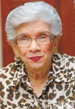 Muere la educadora Yvelisse Prats de Pérez, dirigente del PRM