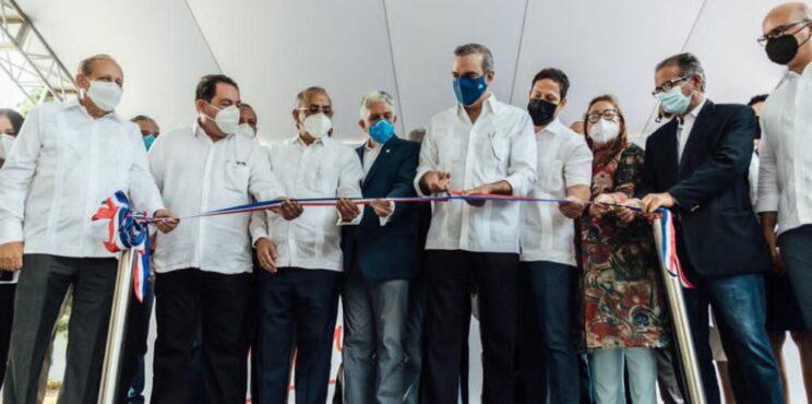 Invi entrega dos centros de diagnóstico y atención primaria en Santiago y Valverde