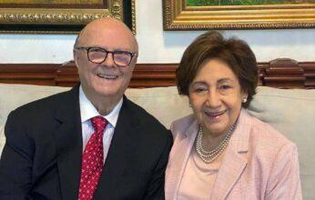 El ex presidente Mejía y esposa dan positivo al Covid-19