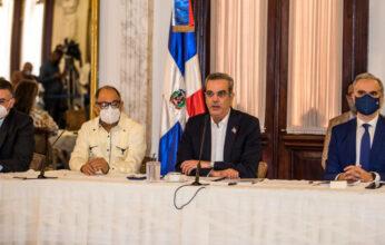 Presidente Abinader crea fondo especial para pagar regalía de empleados en FASE I, por un valor de 2,300 millones de pesos