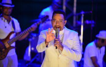 """Frank Reyes sale airoso """"…en concierto para el mundo"""""""