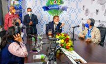 Alcalde Manuel Jiménez afirma emisora Voz Trinitaria marca hito en SDE