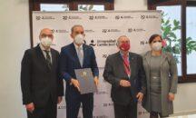 MESCYT firma acuerdo con Universidad Camilo José Cela de España que contempla formación de liderazgo político