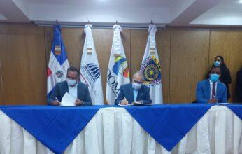 Alcalde de Bayaguana firma acuerdo con el MEPYD para que necesidades del municipio sean incluidas en el presupuesto de la Nación