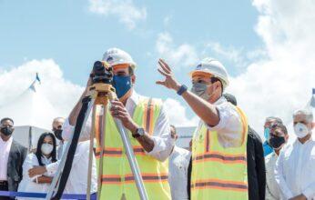 Presidente Abinader y director del INVI dan inicio a la construcción del hospital municipal de San José de Las Matas
