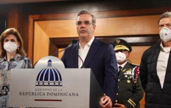 Presidente de la República regresa de viaje a España