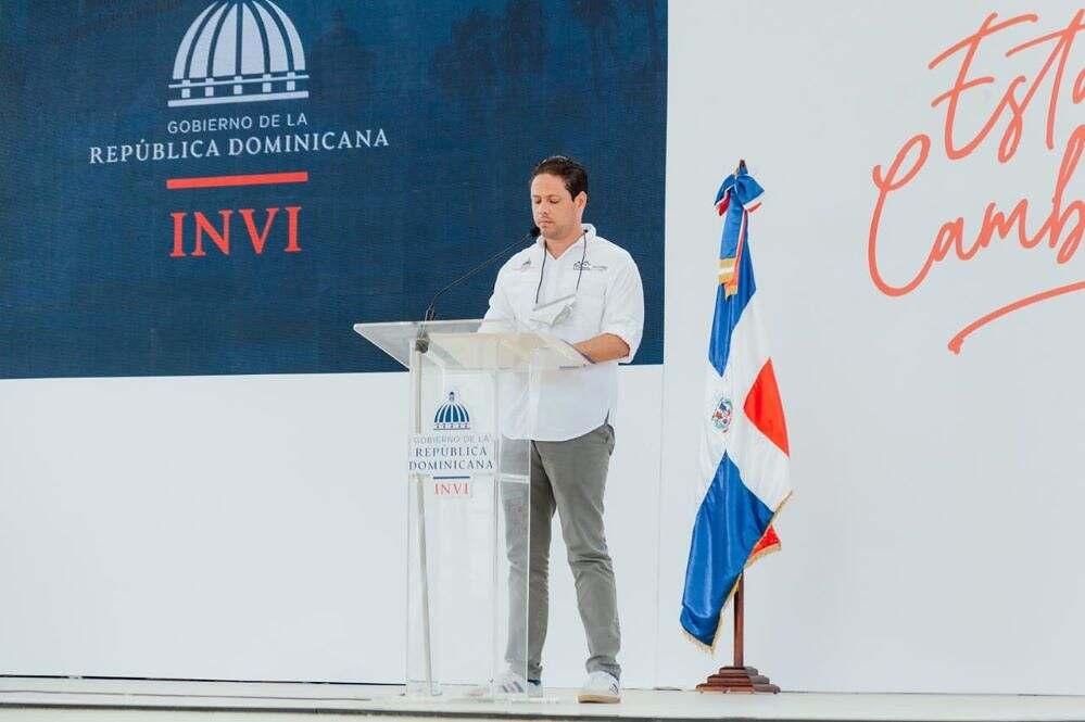 Invi realiza sorteos de obras para cambio de pisos de tierra por cemento en la Región Sur