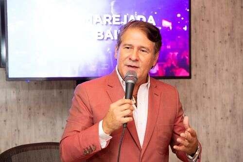 El cantante Roberto Antonio celebrará en el país sus 35 años en el arte