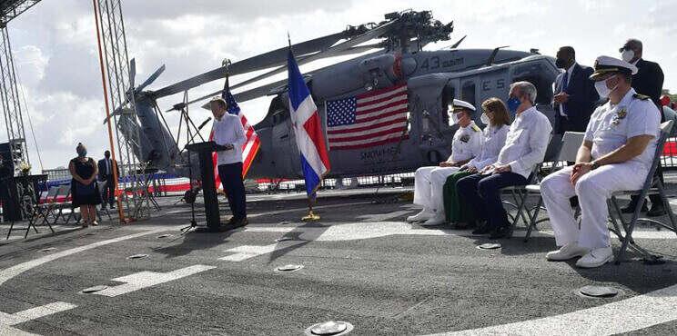 Estados Unidos celebra su Día de Independencia a bordo del Buque USS Billings