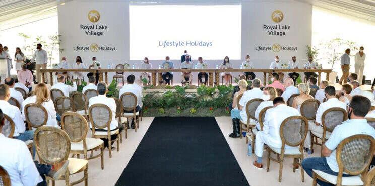 Presidente Abinader da el primer palazo al proyecto Royal Lake Village del grupo Lifestyle Holiday