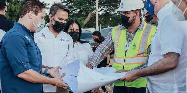 Presidente Luis Abinader y Ministro del MIVHED Supervisan Construcción de Hospital Municipal de Dajabón